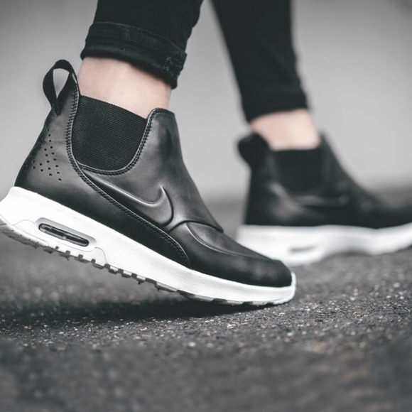 separation shoes 4d6c0 6a8a1 Nike Air Max Thea Mid Winterized. M 5a9327c65521be698b008635